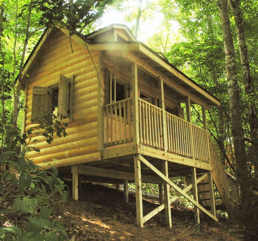 Large Cabin Log Walls Porch Sleeping Area