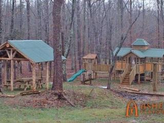 Hensen Forest Subdevelopment Playground and Shelter