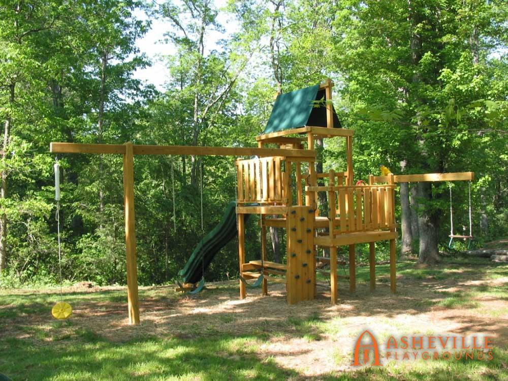 Trapeze Disc Playground with Picnic Table