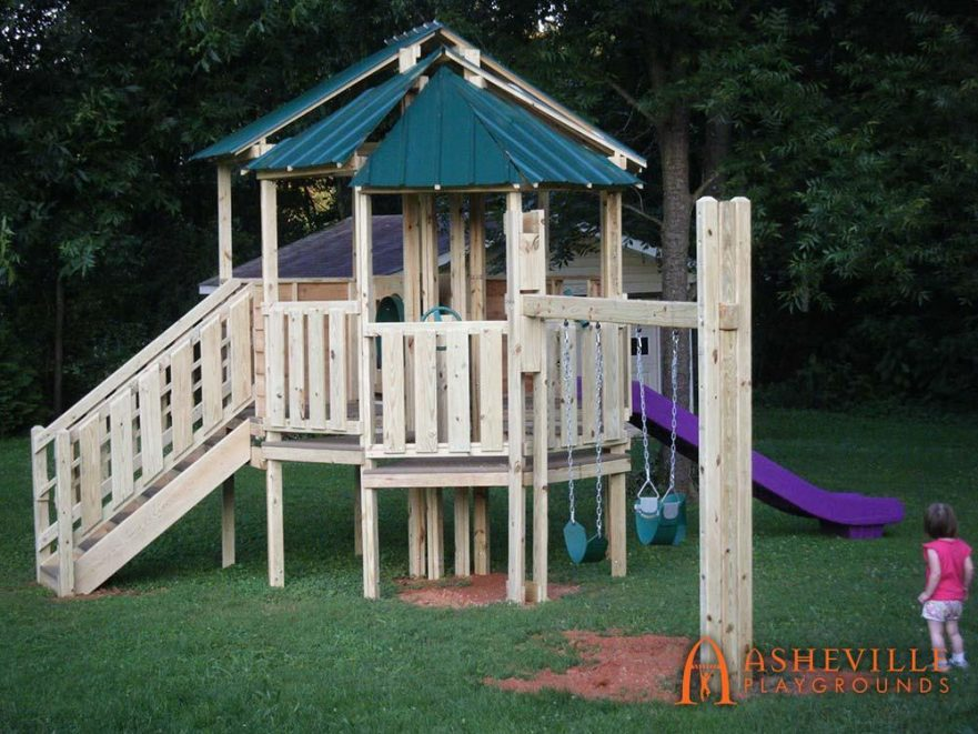 Residential Play Set Roofed Platform Swings Slide