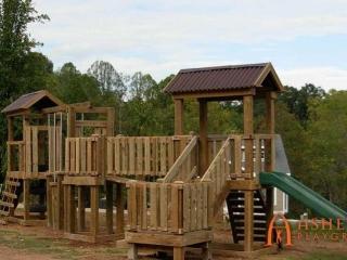 Estelle Park Apartments Playground